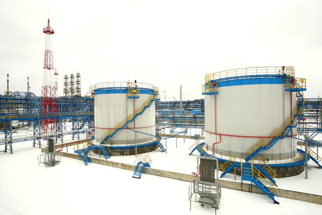 Дляхранения производственных запасов осушающего реагента натерритории Чаяндинского месторождения функционирует резервуарный метанольный парк.